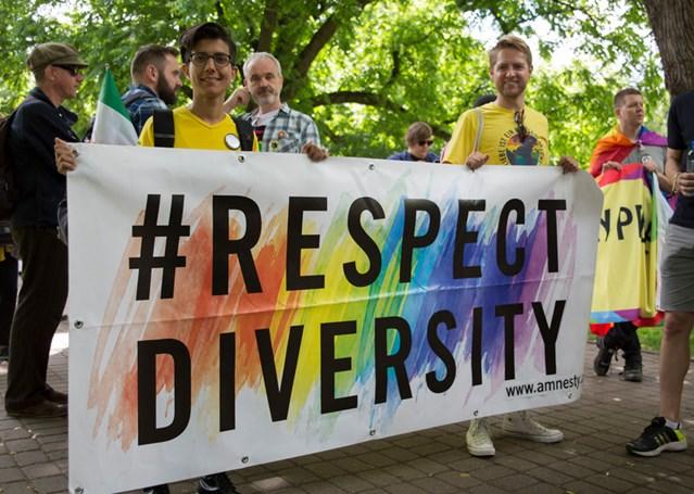 EuroPride, marcha del Orgullo de Riga (Letonia), junio de 2015. © Amnesty International