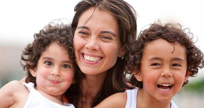 madres-solteras-con-dos-hijos-discriminadas-en-la-exencion-de-tasas-en-dni-y-pasaporte